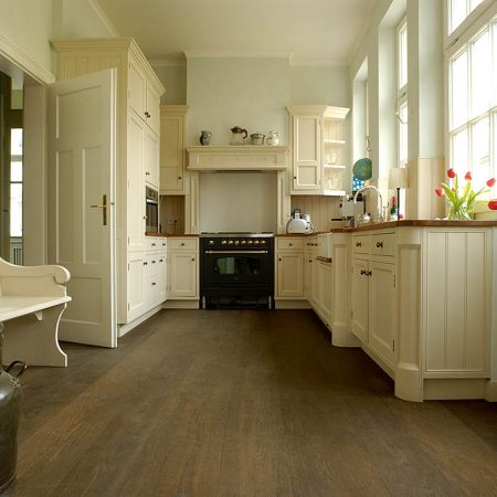 Holzboden Landhausküche